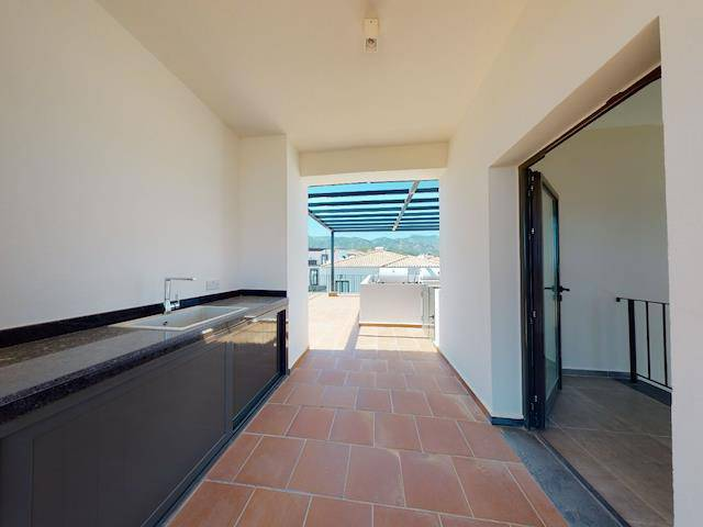 Alsancak'ta satılık bahçeli havuzlu penthouse, 182 m² - TEXT_photo 9