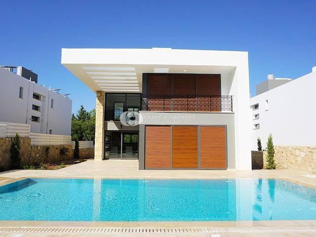 Alsancak'ta satılık bahçeli havuzlu villa, 210 m² - TEXT_photo 1