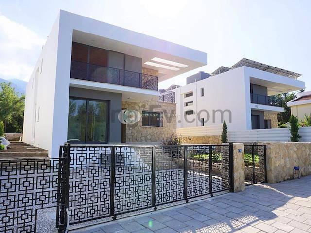 Alsancak'ta satılık bahçeli havuzlu villa, 210 m² - TEXT_photo 3