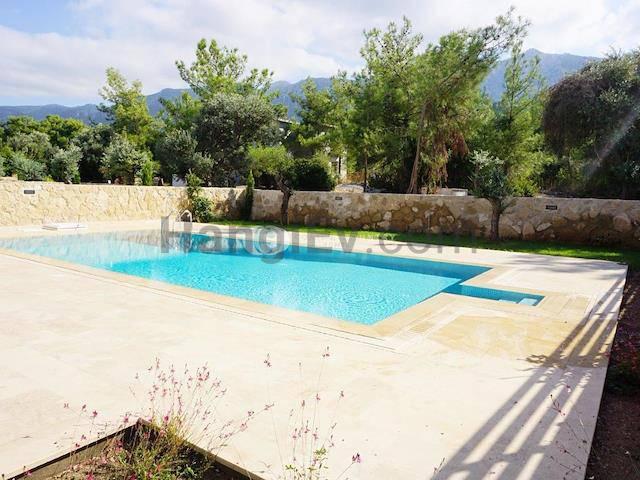 Alsancak'ta satılık bahçeli havuzlu villa, 210 m² - TEXT_photo 5