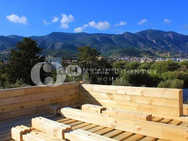 Alsancak'ta satılık bahçeli özel havuzlu villa, 292 m² - TEXT_photo 2