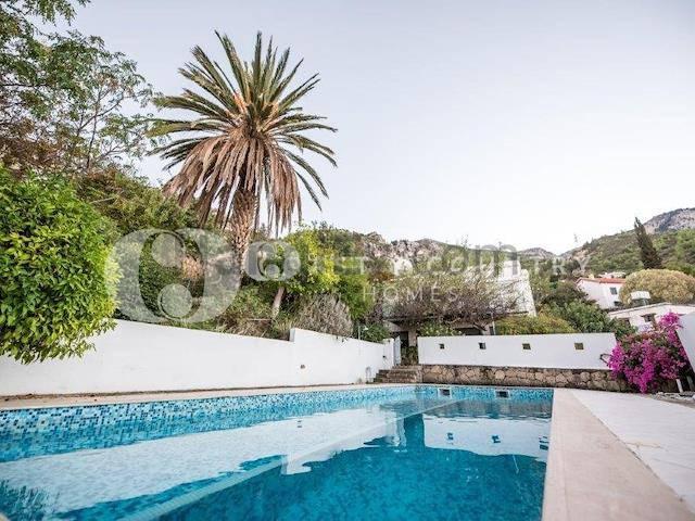 Girne Bellapais'te satılık özel havuzlu villa - TEXT_photo 2