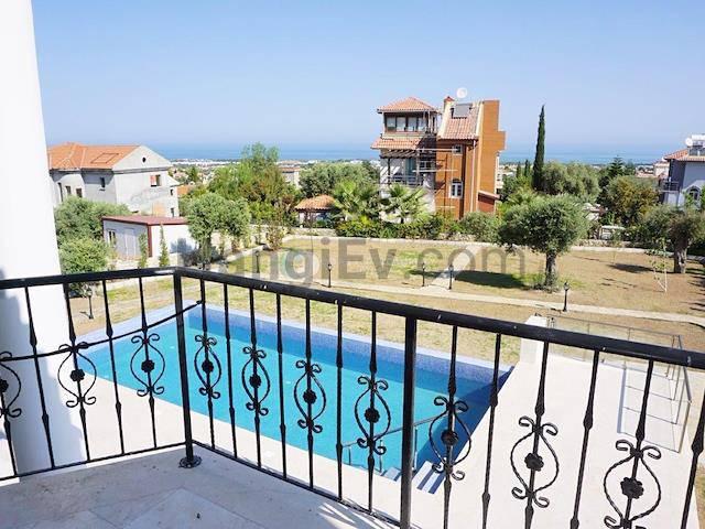 Girne Bellapais'te satılık bahçeli şömineli havuzlu villa - TEXT_photo 3