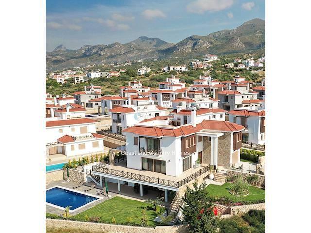 Girne Bellapais'te satılık bahçeli şömineli havuzlu villa - TEXT_photo 1