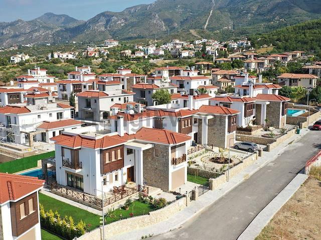Girne Bellapais'te satılık bahçeli şömineli havuzlu villa - TEXT_photo 7