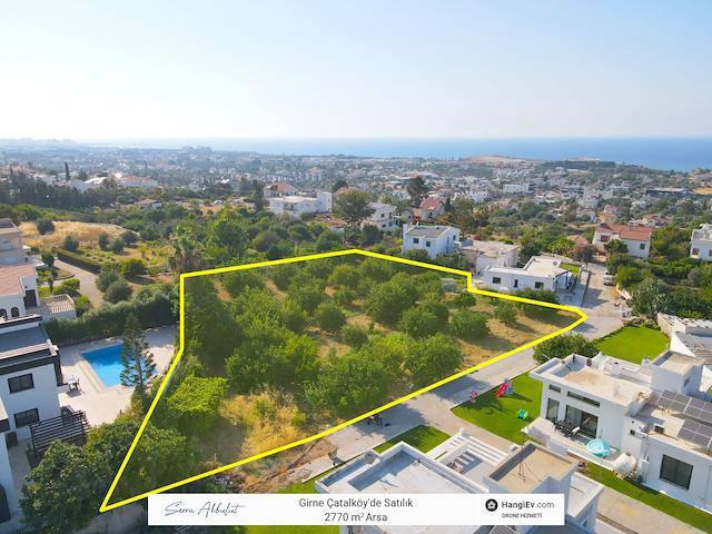 Girne Çatalköy'de 2770 m² Konut Nitelikli Arazi