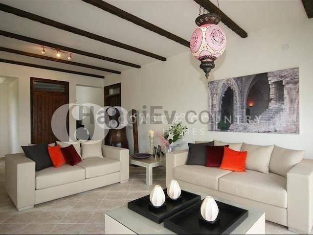 Girne Esentepe'de satılık şömineli villa - TEXT_photo 7