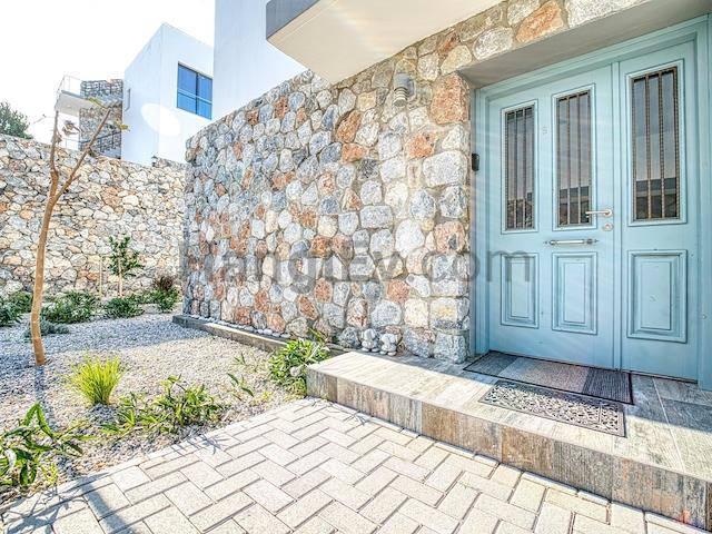 Girne Esentepe'de satılık bahçeli havuzlu villa - TEXT_photo 5
