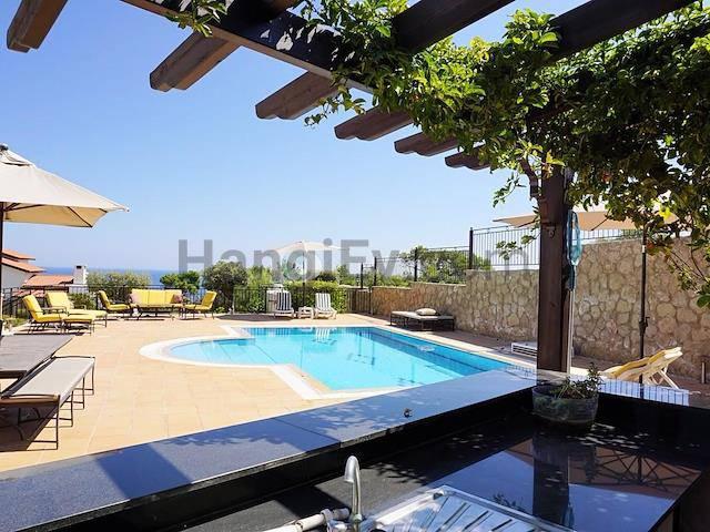 Girne Esentepe'de satılık şömineli havuzlu villa - TEXT_photo 2