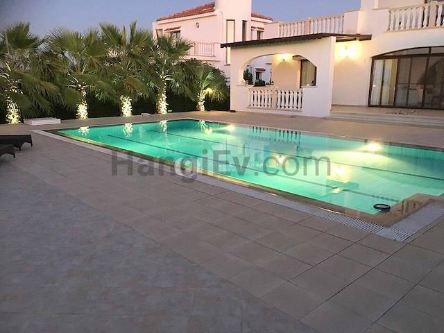 Girne Esentepe'de satılık bahçeli şömineli havuzlu villa - TEXT_photo 5