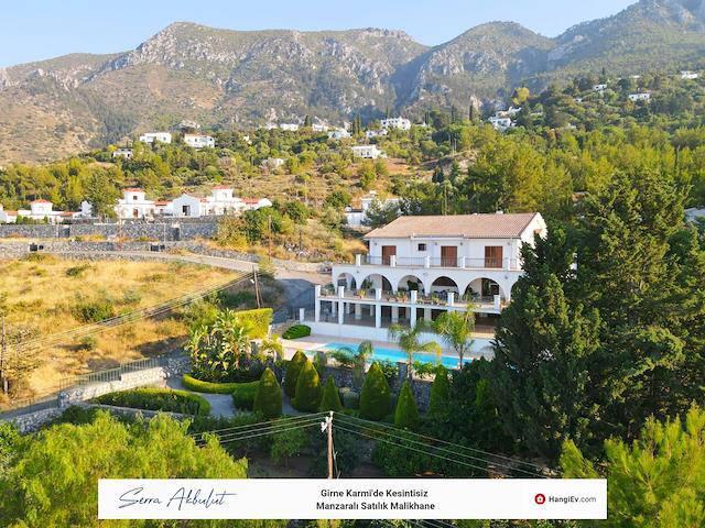 Girne Karmi'de satılık bahçeli şömineli özel havuzlu villa - TEXT_photo 2
