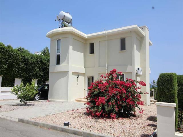 Kıbrıs Girne Bölgesi'de kiralık özel havuzlu villa
