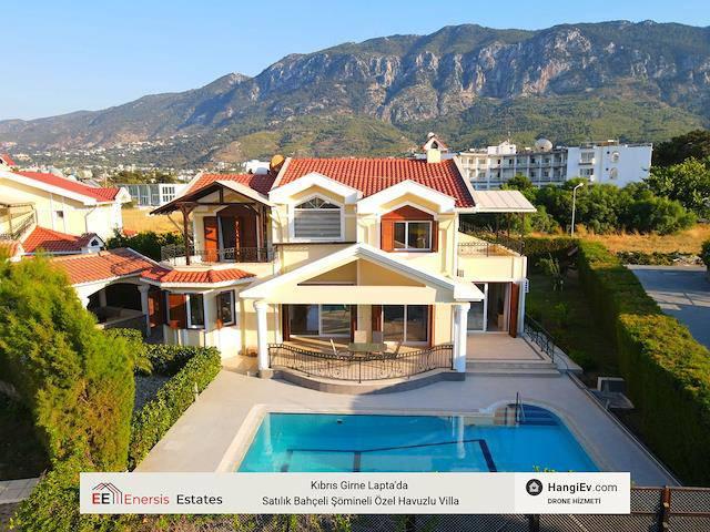 Kıbrıs Girne Lapta'da satılık bahçeli şömineli özel havuzlu villa
