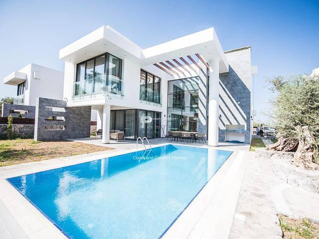 Girne Ozanköy'de satılık bahçeli şömineli havuzlu villa - TEXT_photo 1