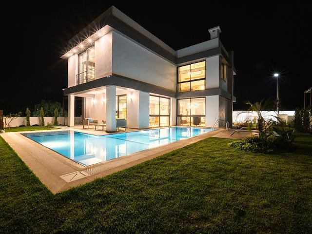 Yeşiltepe'de satılık bahçeli şömineli özel havuzlu villa - TEXT_photo 10