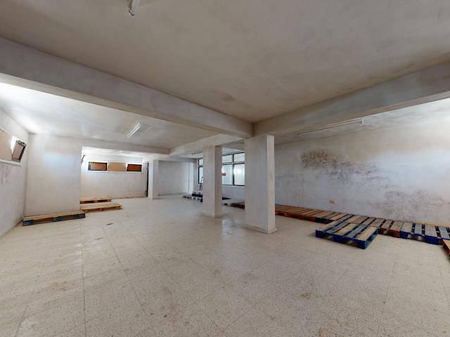Yenikent'de 350 m² Kiralık Depo! Aylık Ödemeli!