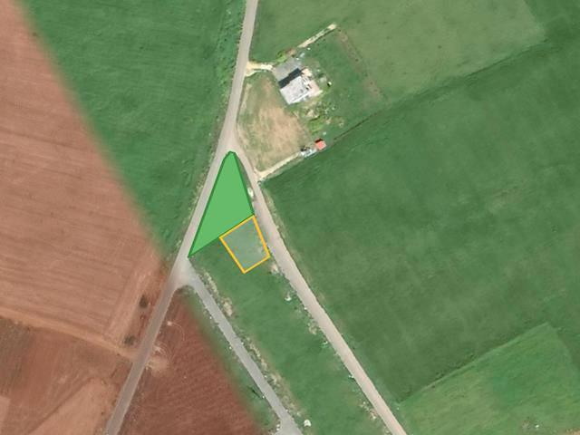 Özkaraman'dan Mutluyaka Mormenekşe Arasında Satılık 520 m² Arsa (Yeşil Alanın Yanı, Köşe)